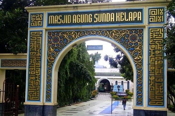 Ini Lho Masjid Ikonik Yang Ada Di Jakarta...