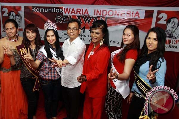 Rela Korbankan Nyawa, Ketua Waria Seluruh Indonesia Dukung Jokowi Jabat 2 Periode