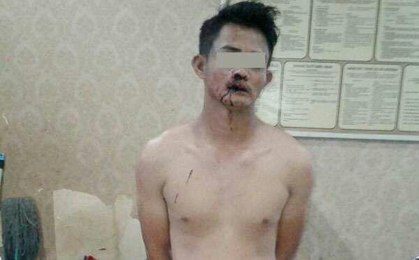 Pemuda Ganteng Ini Seketika 'Nyoyot', Darah Muncrat dari Hidung, Usai Pura2 Shalat…
