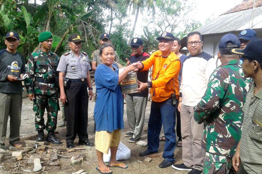 BPBD Cilacap Distribusikan Bantuan Korban Gempa