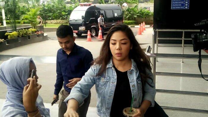 Inilah Putri Setya Novanto yang Diperiksa KPK Sebagai Saksi