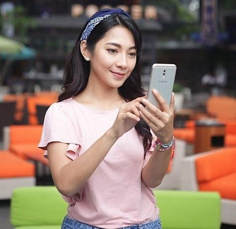 Samsung Galaxy J7+, Smartphone Kekinian untuk Si Maniak Instagram