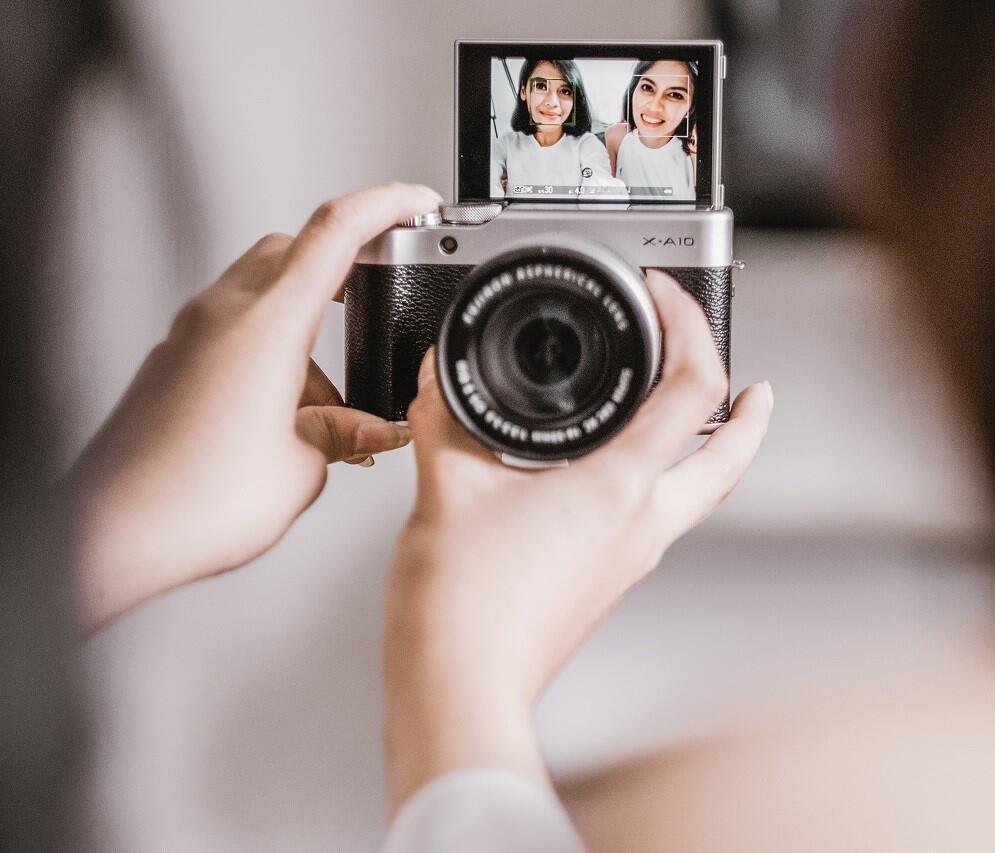 Ini Kamera Mirrorless Zaman Now yang Wajib GanSis Punya
