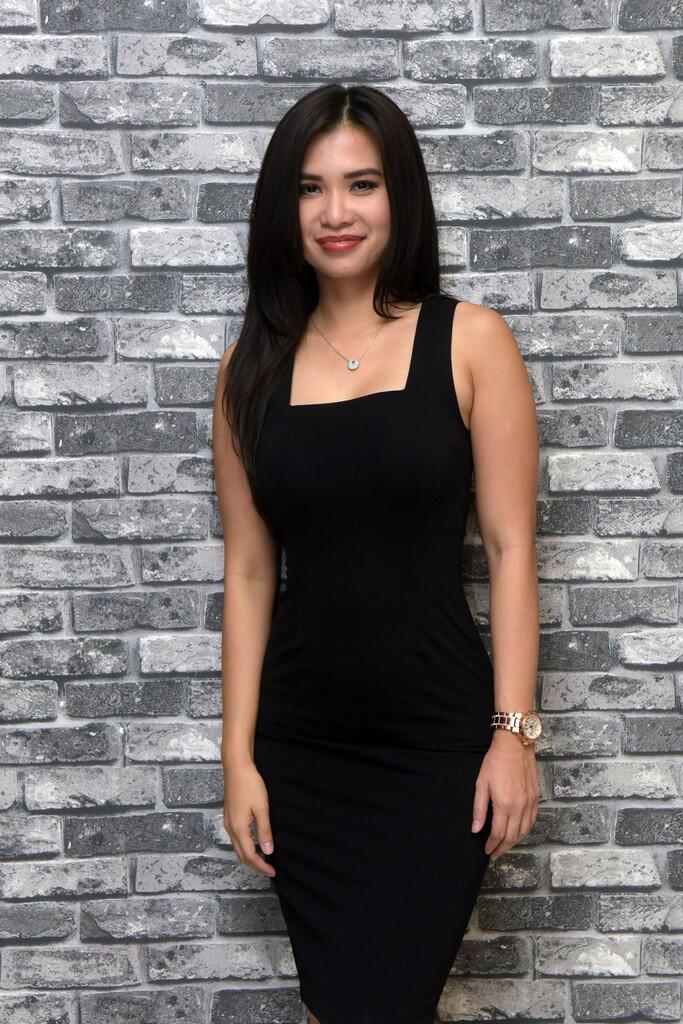 Maria Vania Seksi Dibalut Dress Hitam | KASKUS