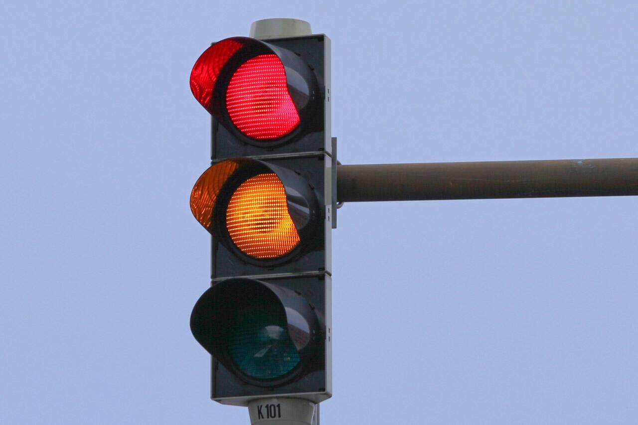 Kenapa Merah Kuning Hijau Ini Arti Warna Lampu Lalu