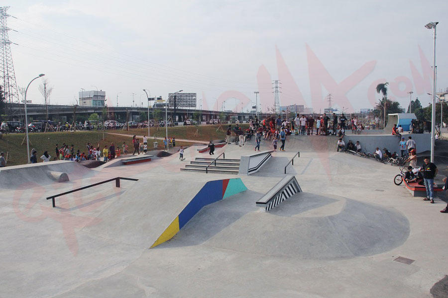 The perks of being skateboarder kalijodo skatepark for Mural kalijodo