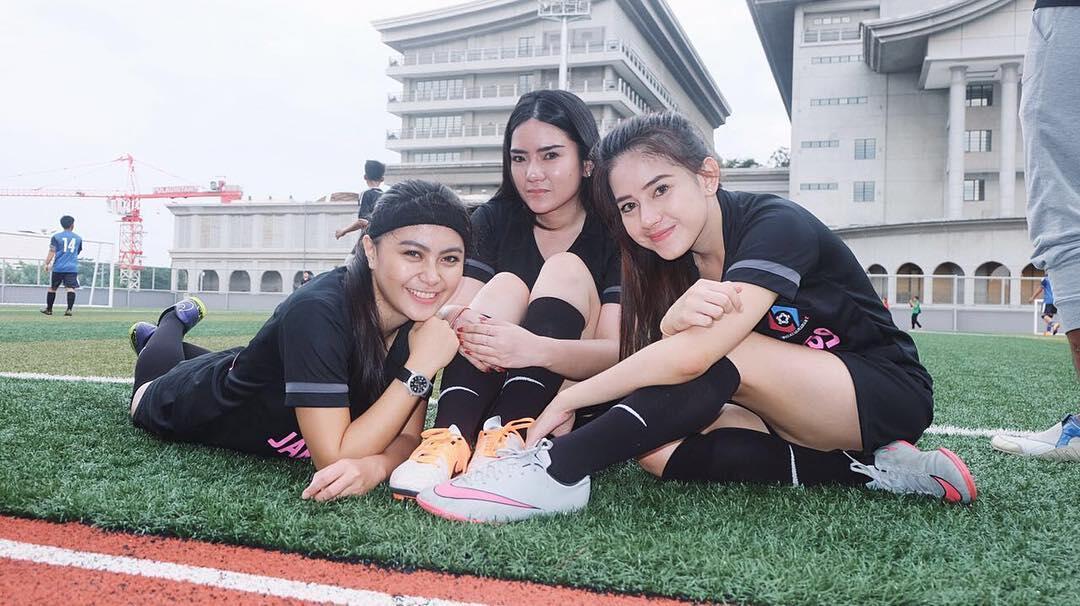 Nadie Tanadie, Atlet Futsal Paling Cantik dan Seksi di Indonesia [Katanya]