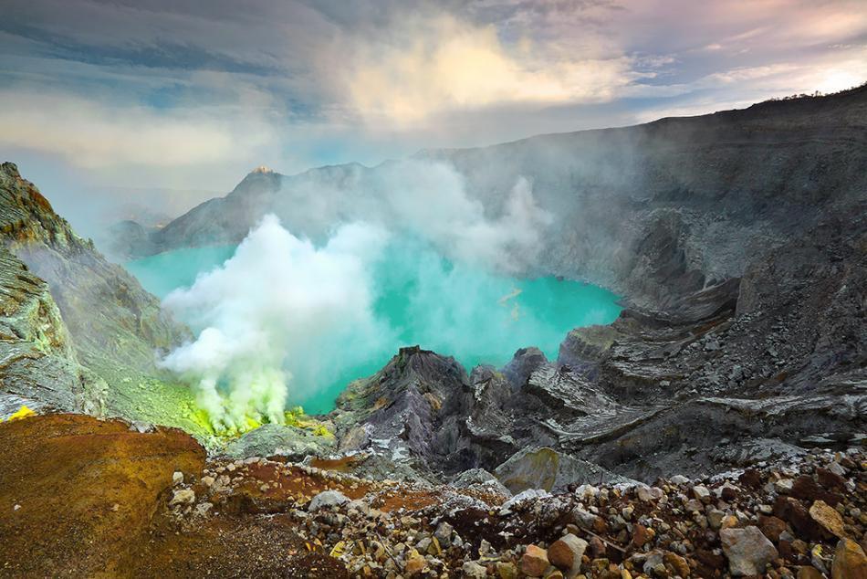 Luar Biasa! Ini Yang Bikin Wisata Kawah Ijen Dikagumi Dunia & UNESCO!