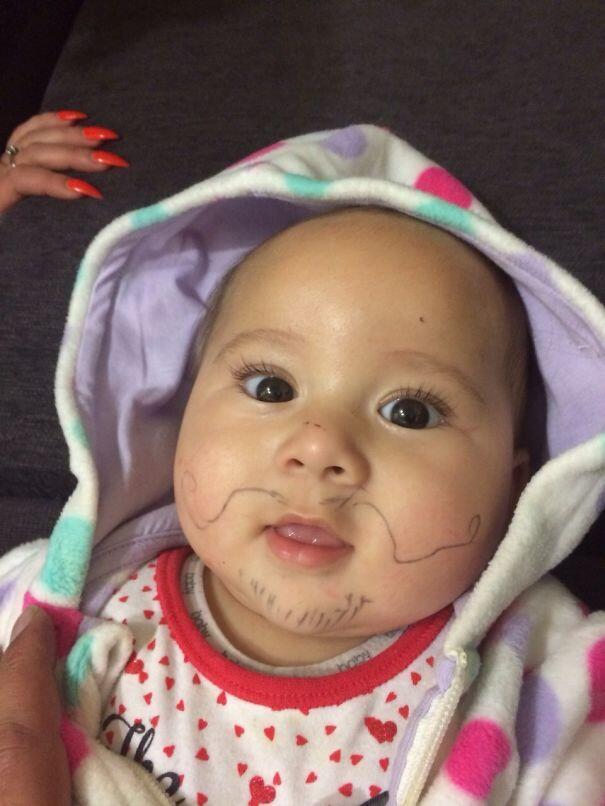 Alasan Wajah Bayi Imut, Relakah Dicorat-coret Begini?