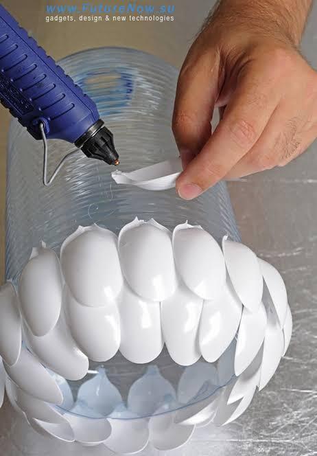 [Kreatif] Membuat Lampu Hias Dari Sendok Plastik
