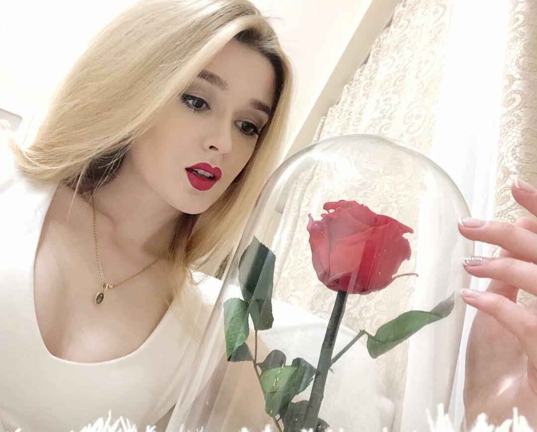 Prestasi Alisa Manyonok, Si Canti Yang Mirip Barbie.