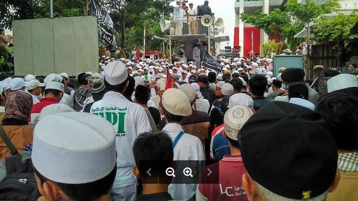 FPI Siap Berdarah-darah Sampai Majalah Tempo Minta Maaf