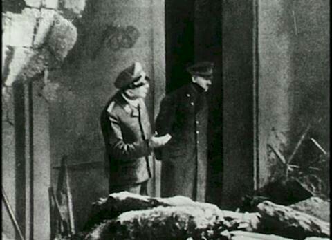 15 Foto langka Adolf Hitler, Dijamin Kamu Belum Pernah Lihat!