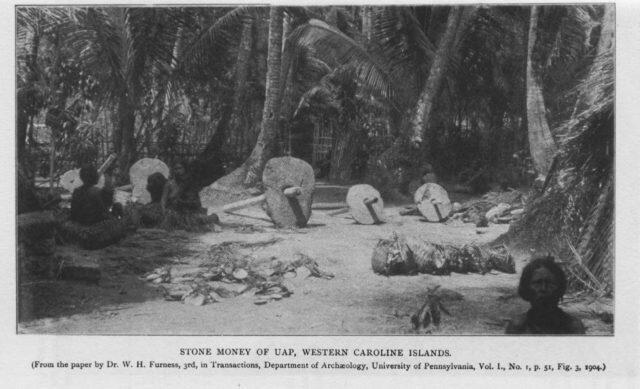 The Raee Stones : UANG Paling GREGET dari lempengan batu di pulau YAP.