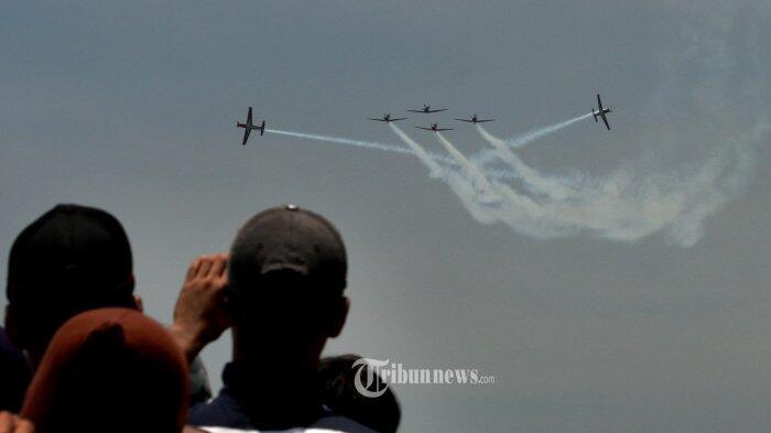 Pertunjukan Menawan di Puncak Perayaan Hut ke-72 TNI Angkatan Udara