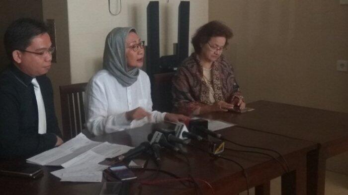 Klarifikasi Ratna Sarumpaet Soal Mobilnya yang Diderek Dishub DKI Jakarta