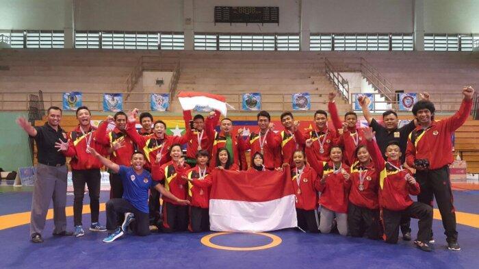 Bawa 4 Emas 8 Perak dan 5 Perunggu Tim Gulat Indonesia Tiba di Tanah Air