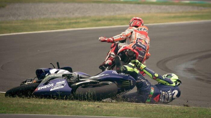 Valentino Rossi Sebut Marc Marquez Tak Berani Datang Sendirian Temui Dirinya