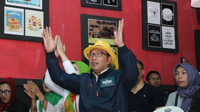 Kunjungi Sukabumi Kang Emil Nonton Persib Bareng Bobotoh