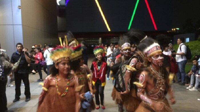 Kemeriahan Pendukung Joan di Babak Tiga Besar Indonesian Idol 2018