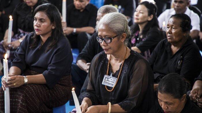 Mama Emi Dorong Masyarakat NTT Urus E-KTP Agar Punya Hak Pilih