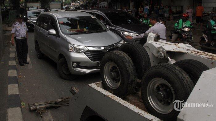 Minta Kejelasan Mobil Diderek, Ratna Sarumpaet Somasi Dishub DKI Jakarta