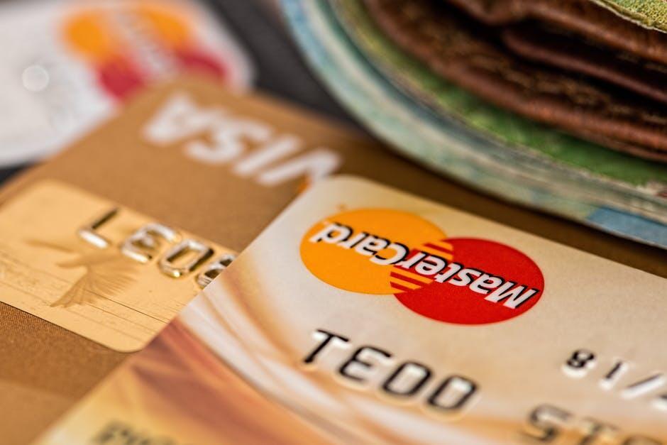 Polisi Ringkus Penggasak Kartu Kredit Nasabah di Banyak Bank