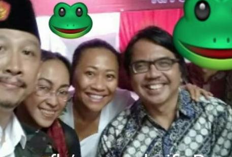Tulis 'azan tidak suci', Ade Armando ditantang jawara Bekasi Damin Sada