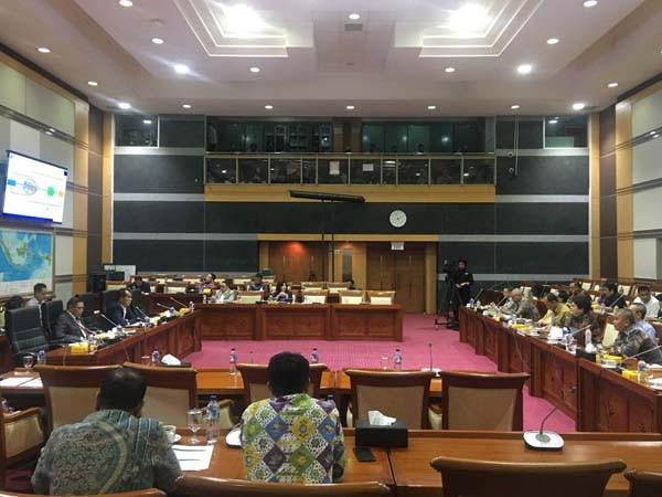 "Indosat pimpin jumlah ""pelanggaran"" di registrasi prabayar"