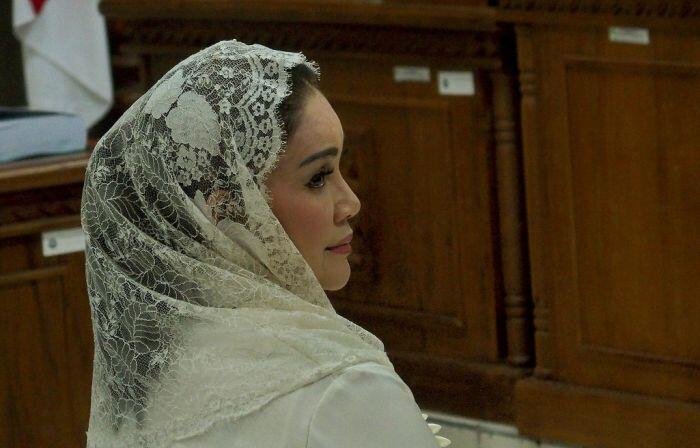 Tangis Siti Masitha minta hak politiknya tak dicabut