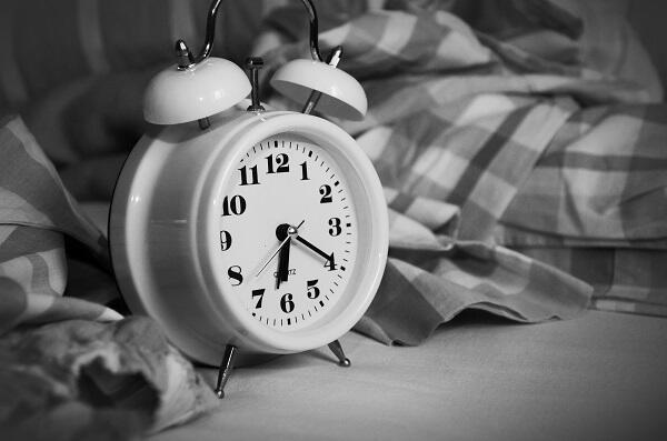Knocker Uppers Dan Jasanya Menggantikan Jam Alarm Pada Zamannya