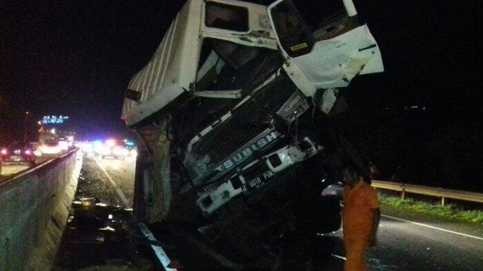 Truk Kontainer Tabrak Pikap di Tol Cipularang KM 91, Sang Sopir Tewas