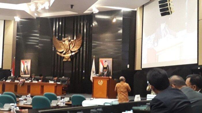 Diwarnai Insterupsi, DPRD DKI Jakarta Sahkan Raperda RPJMD Periode 2017-2022
