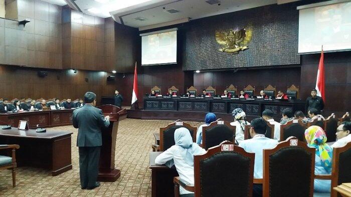 MK Kembali Dengar Keterangan Pemerintah dan DPR dalam Uji Materi UU BUMN