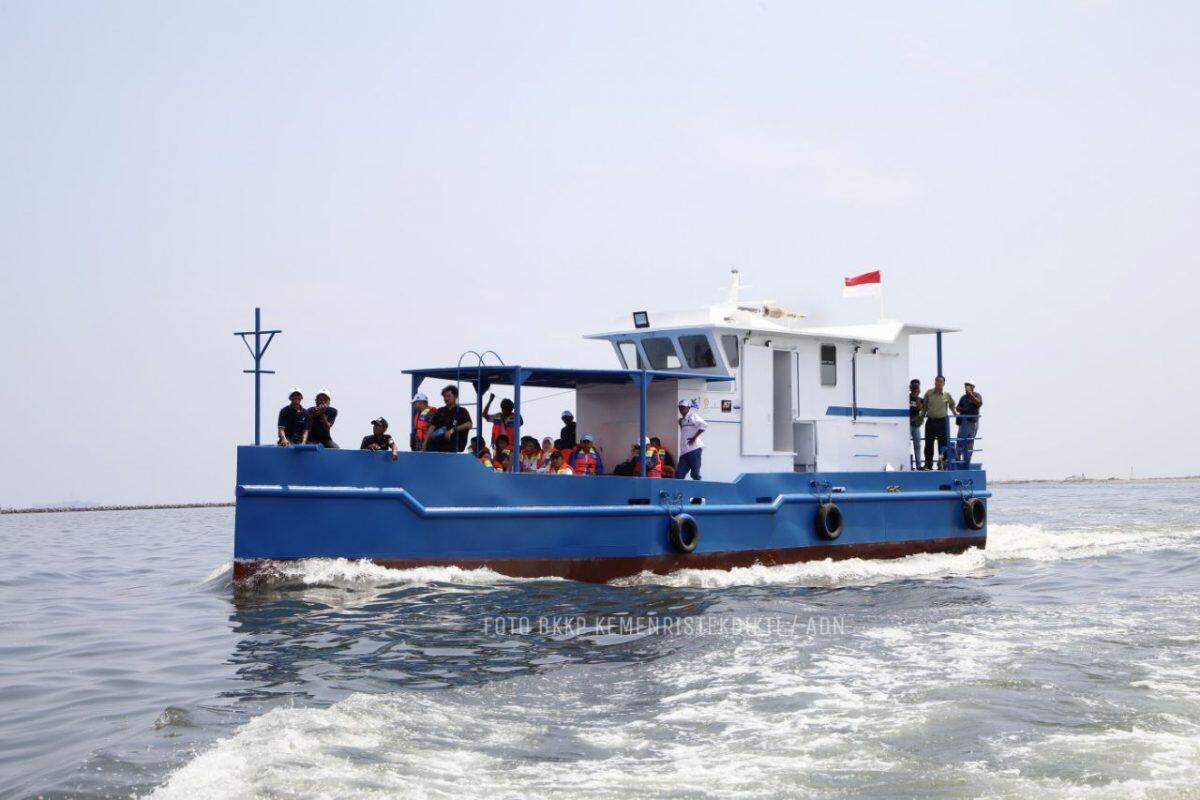 Kemenristekdikti Luncurkan Kapal Nelayan Pelat Datar