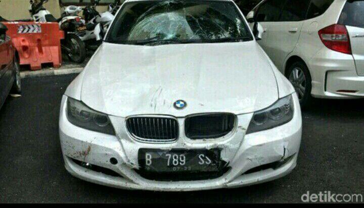 Tabrak Ojol, BMW yang Dipakai Model Tiara Milik Temannya