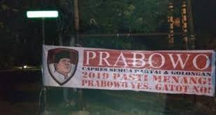 "Beredar Spanduk ""Prabowo Yes Gatot No"""
