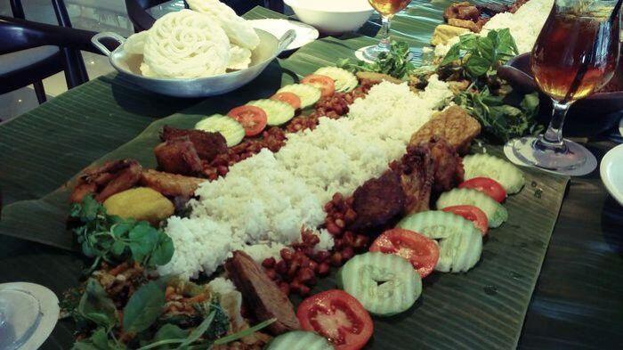 Cara Dan Tradisi Makan Orang Indonesia Dari Zaman Ke Zaman