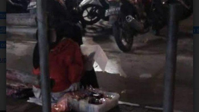 Salut, Remaja di Malang Ini Jualan Kue Sambil Tetap Belajar