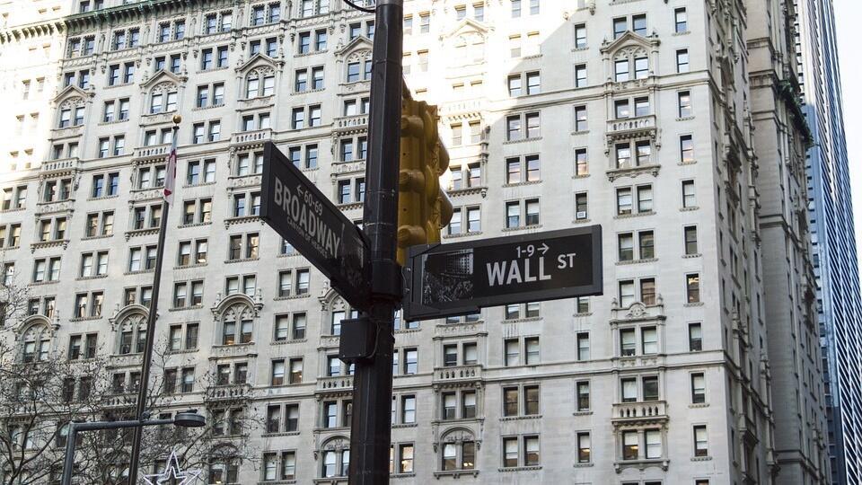 Xi Jinping Akan Turunkan Tarif Impor, Wall Street Menguat