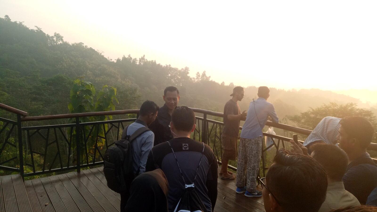 AHY di Magelang: Sambangi SMA TN hingga Lihat Sunrise Borobudur