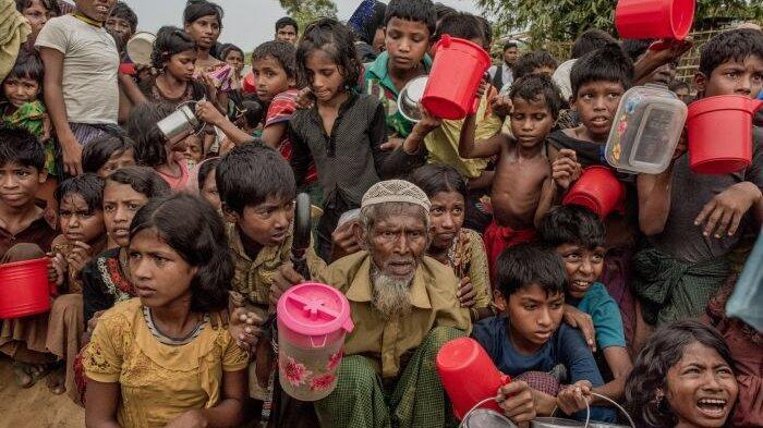 Indonesia Serahkan Mobile Clinic untuk Pengungsi Rohingya