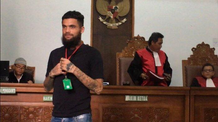 Jalani Sidang Pertama Kasus Pemukulannya, Diego Michiels Lupa