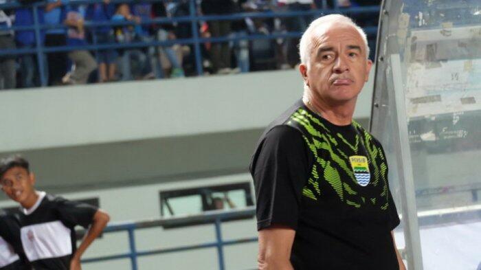 Arema FC vs Persib Bandung: Roberto Carlos Mario Gomez bilang Persib Harus Menang