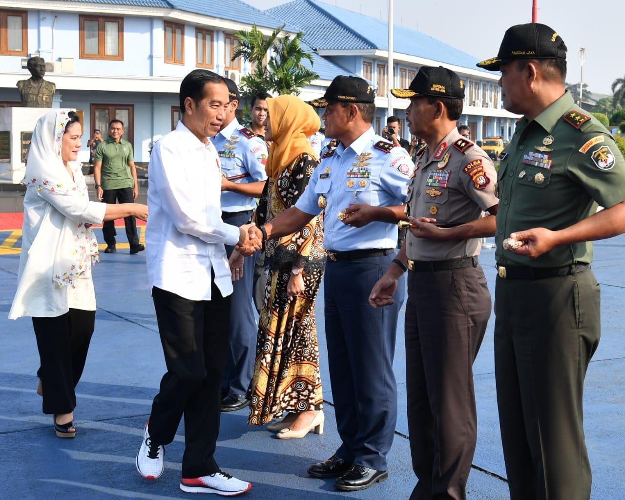 Menuju Papua, Presiden Tinjau Jembatan Holtekamp dan Kunjungi Asmat