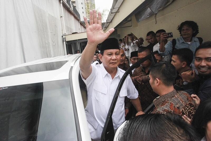 Ini Penjelasan Gerindra soal Video Prabowo Diarak Sambil Telanjang Dada