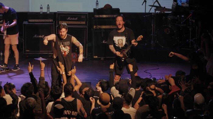 Konser di Jakarta, Counterparts Suguhkan Aksi Liar di Panggung