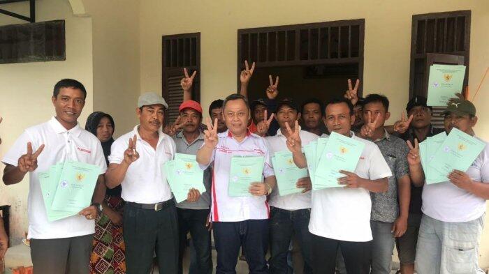 Pujakessuma Nusantara Bagikan Ratusan Sertifikat yang 'Ditahan' Oknum