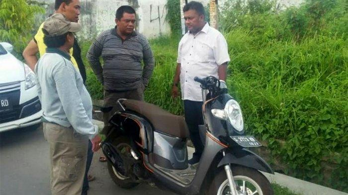 Uang Rp 300 Juta Dirampok, Motor Korban Ditinggal di Pinggir Jalan