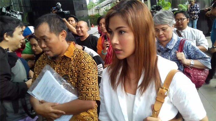 Nadia Mulya dan Ayahnya Kesal saat Tiba-tiba Boediono Menemuinya di Lapas Sukamiskin